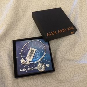 🆕Still in packaging, Aurora Blaze Alex and Ani